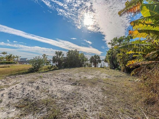 845 San Carlos Dr, Fort Myers Beach, FL - USA (photo 4)