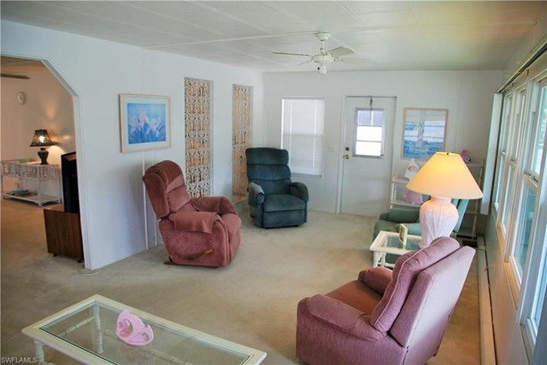 529 Palmer Blvd, North Fort Myers, FL - USA (photo 5)