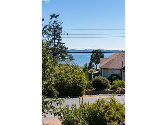 10372 Allbay, Victoria, BC - CAN (photo 4)