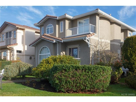 105-9655 First 105, Victoria, BC - CAN (photo 1)