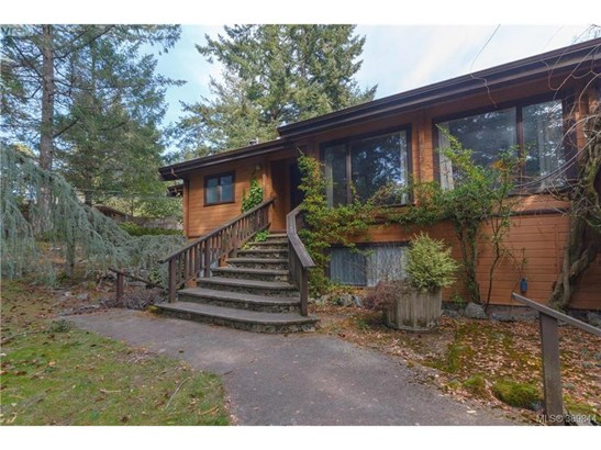 5833 Old West Saanich, Victoria, BC - CAN (photo 1)