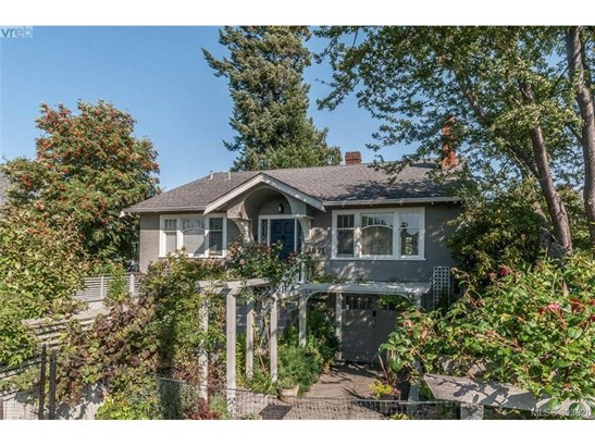1871 Monteith, Victoria, BC - CAN (photo 1)