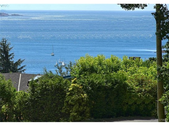 2564 Vista Bay, Victoria, BC - CAN (photo 3)