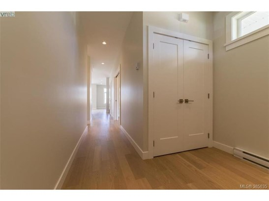 2117 Wood Violet, Victoria, BC - CAN (photo 2)