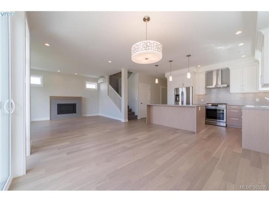 2117 Wood Violet, Victoria, BC - CAN (photo 5)