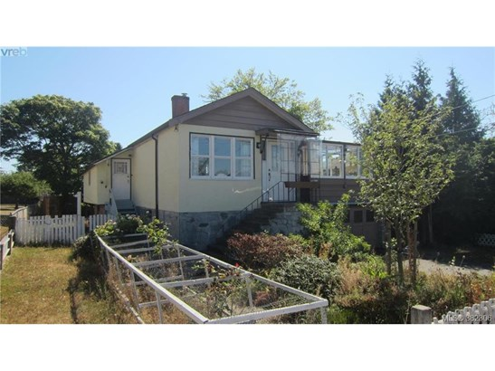 3221 Wetherby, Victoria, BC - CAN (photo 1)