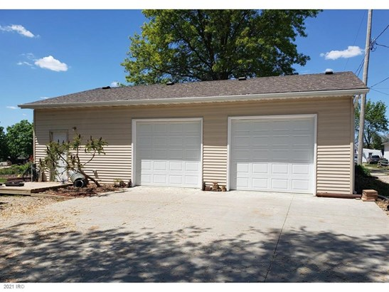 Cross Property - Knoxville, IA