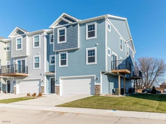 Two Story, Condo-Townhome - Ankeny, IA