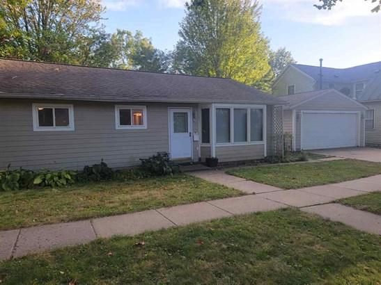 1 Story, Single Family - Iowa City, IA