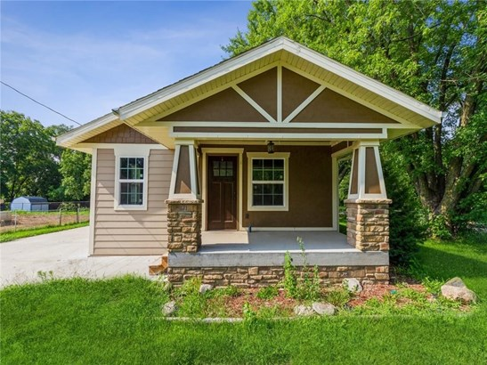 Residential, Bungalow - Des Moines, IA