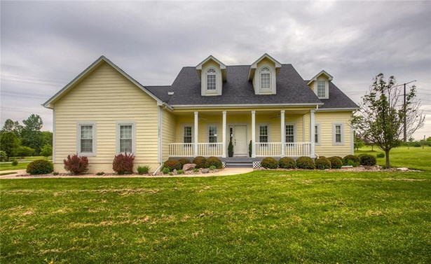 1.5 Story, Residential - Grimes, IA (photo 2)