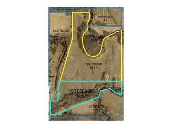 Cross Property - Pleasantville, IA