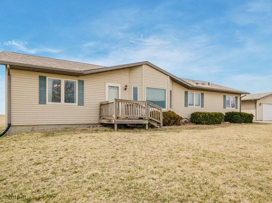 Acreages, Manufactured Home - Carlisle, IA (photo 1)