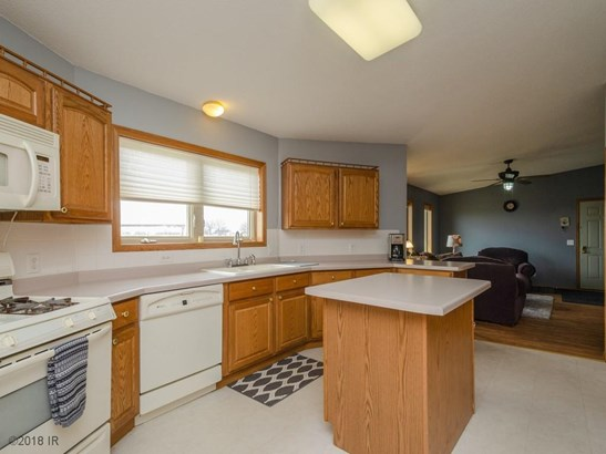 Acreages, Manufactured Home - Carlisle, IA (photo 4)