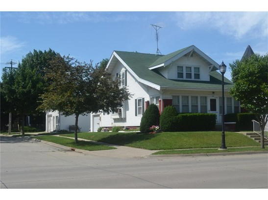 1.5 Story,See Remarks, Single Family - Dyersville, IA (photo 4)