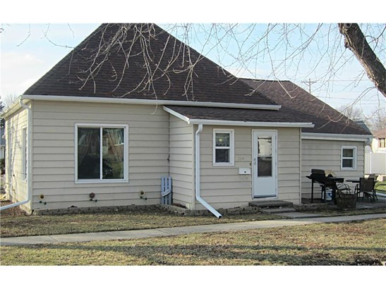 Residential, Bungalow - Knoxville, IA (photo 1)