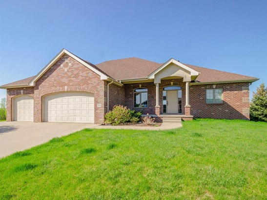 Residential, Ranch - Grimes, IA (photo 2)
