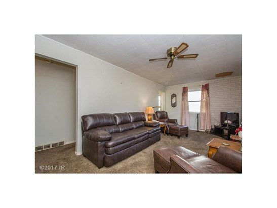Residential, Ranch - Des Moines, IA (photo 5)