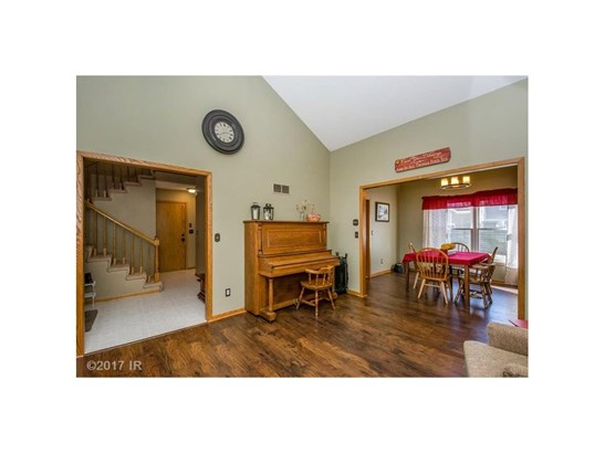 Residential, Two Story - Pella, IA (photo 4)