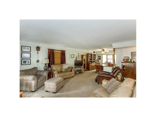 Residential, Split Foyer - Windsor Heights, IA (photo 3)