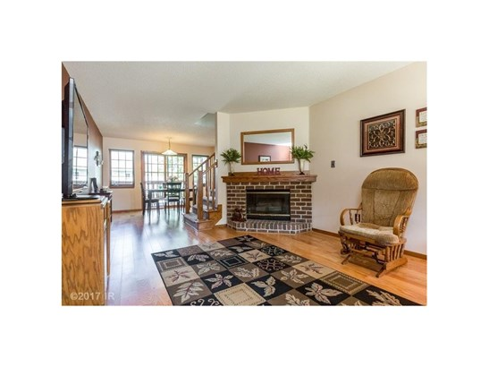 Two Story, Condo-Townhome - Des Moines, IA (photo 4)
