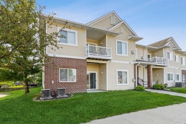 Condo-Townhome, Apartment Style - Waukee, IA