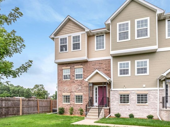 Three Story, Condo-Townhome - Des Moines, IA (photo 2)