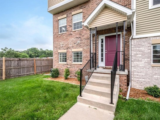 Three Story, Condo-Townhome - Des Moines, IA (photo 3)