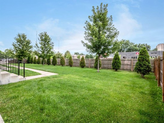 Three Story, Condo-Townhome - Des Moines, IA (photo 4)