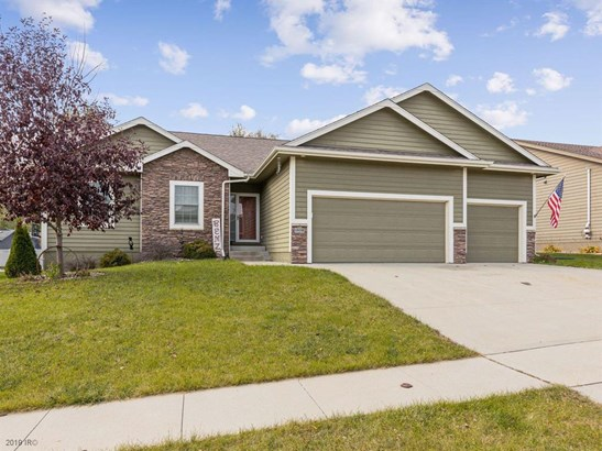 Residential, Ranch - Adel, IA