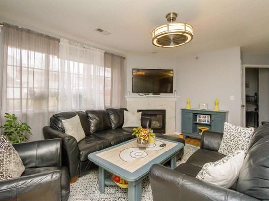 Condo-Townhome, Apartment Style - Urbandale, IA (photo 2)