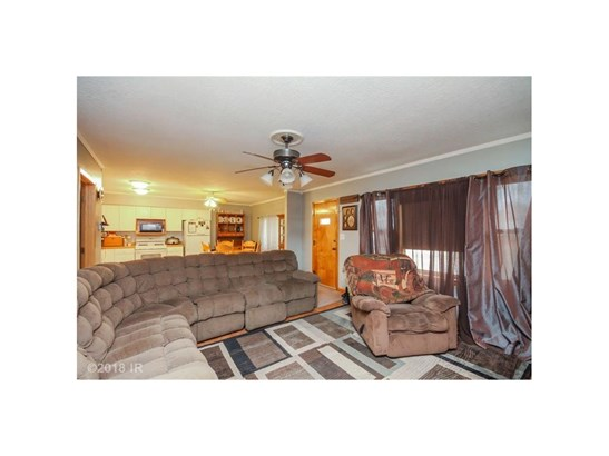Residential, Ranch - Pleasantville, IA (photo 4)