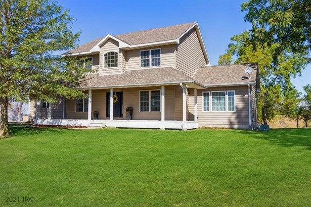 Acreages, Two Story - Reasnor, IA