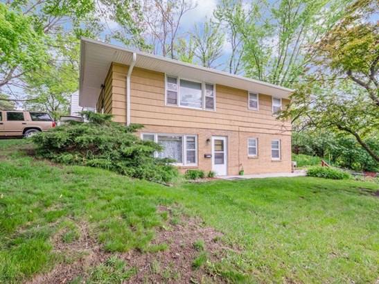 Cross Property, Duplex - Des Moines, IA (photo 3)