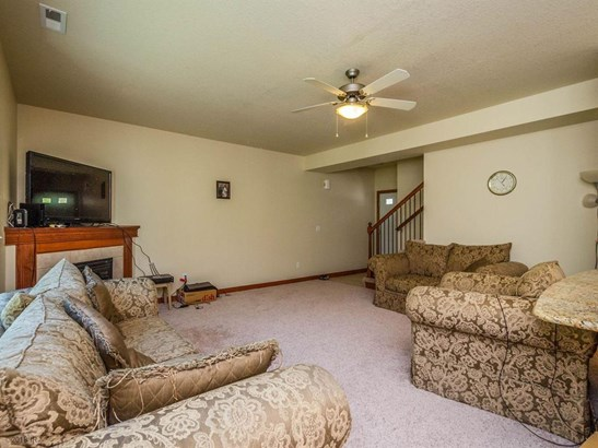Two Story, Condo-Townhome - Urbandale, IA (photo 4)