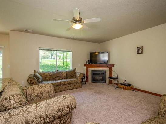 Two Story, Condo-Townhome - Urbandale, IA (photo 5)