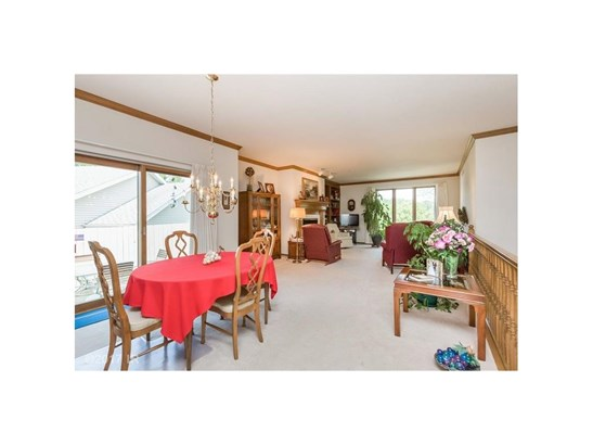 Ranch, Condo-Townhome - Urbandale, IA (photo 5)