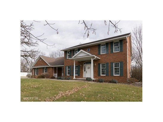 Acreages, Two Story - Newton, IA (photo 1)