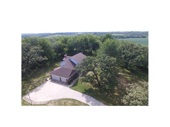 Acreages, Two Story - Newton, IA (photo 2)