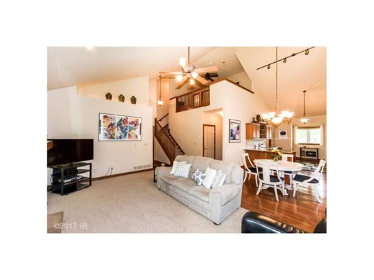1.5 Story, Condo-Townhome - Des Moines, IA (photo 4)