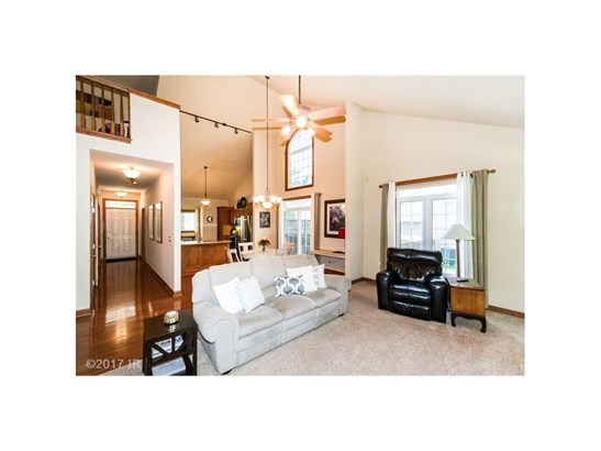 1.5 Story, Condo-Townhome - Des Moines, IA (photo 5)