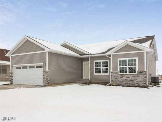 Residential, Ranch - Earlham, IA