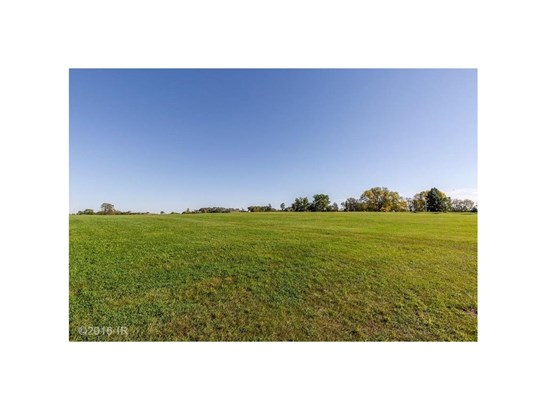 Cross Property - Urbandale, IA (photo 5)