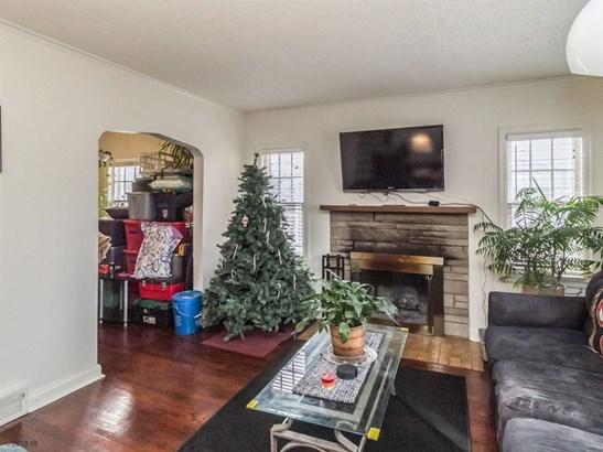 1.5 Story, Cross Property - Des Moines, IA (photo 4)