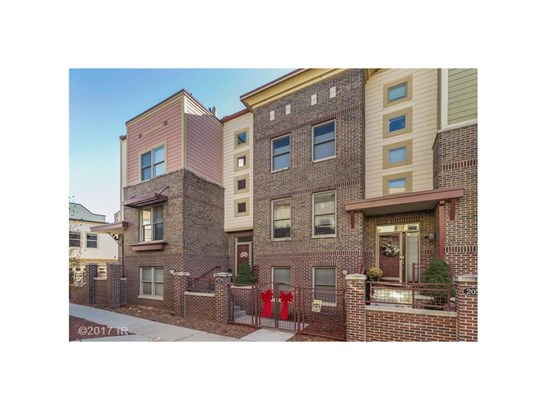 Three Story, Condo-Townhome - Des Moines, IA (photo 1)