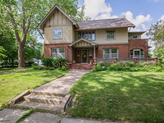 Residential, Two Story - Nevada, IA (photo 4)