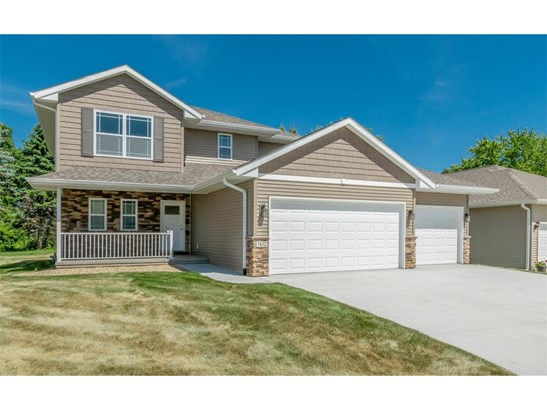 2 Stories, Single Family - Cedar Rapids, IA (photo 1)