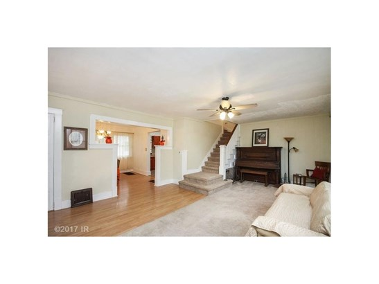 Residential, Two Story - Pleasantville, IA (photo 4)