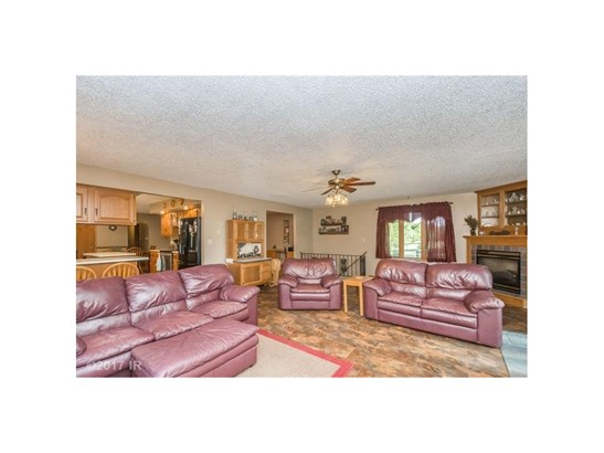 Acreages, Ranch - Des Moines, IA (photo 3)