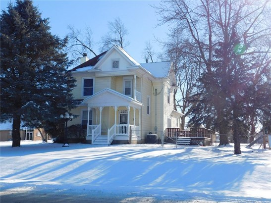 2 Stories, Single Family - Newhall, IA (photo 2)